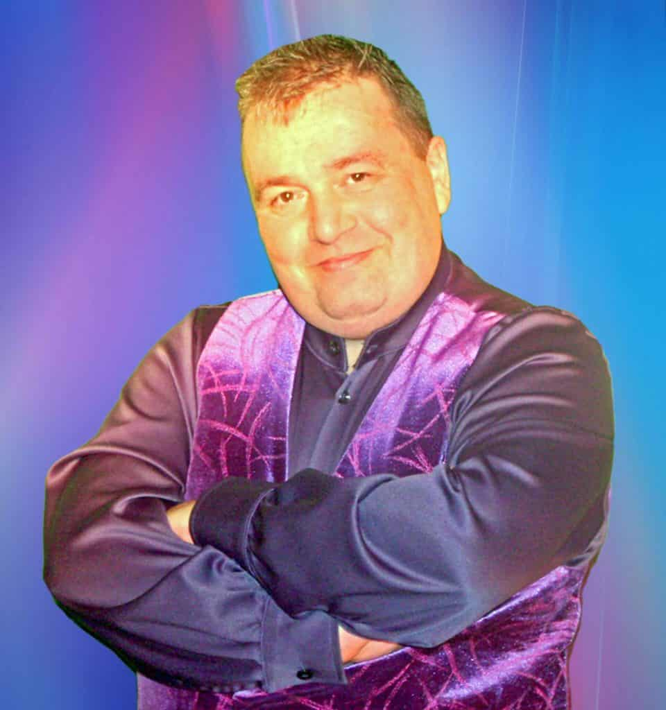 Garry Mac Comedy Vocalist And Compere